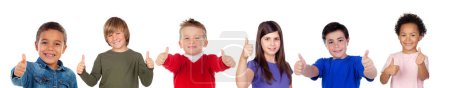 Photo pour Enfants regardant la caméra isolée sur un fond blanc - image libre de droit