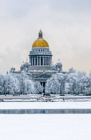 Saint Isaac's Cathedral in winter,