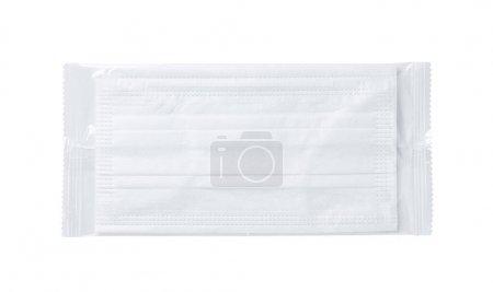Masque placé sur un fond blanc