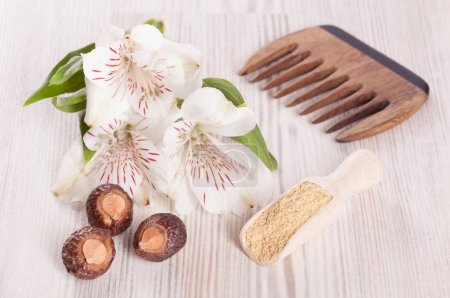 Comb flowers soapnuts and mustard powder