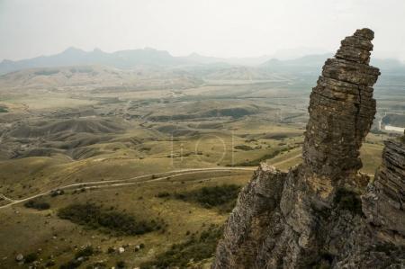 Photo pour Beau paysage pittoresque avec falaise dans de belles montagnes - image libre de droit