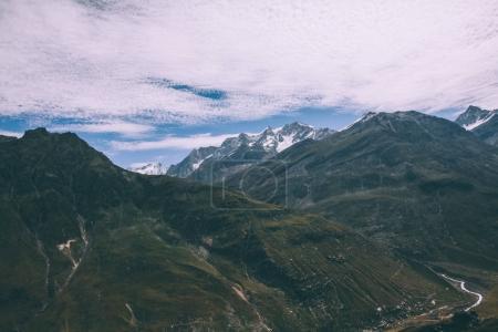 Photo pour Superbe superbe paysage de montagnes dans l'Himalaya indien, col de Rohtang - image libre de droit