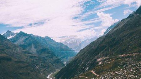 Photo pour Paysage montagneux majestueux dans l'Himalaya indien, Rohtang Pass - image libre de droit