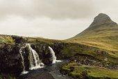 """Постер, картина, фотообои """"удивительный пейзаж с величественными живописный водопад в Исландии"""""""