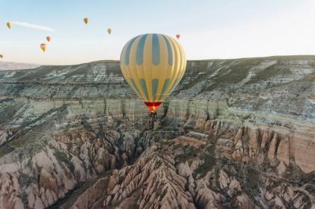 Foto de Festival de globos de aire caliente en Cappadocia, Turquía - Imagen libre de derechos