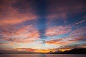 """Постер, картина, фотообои """"Красивый закат над поверхностью спокойствие океана"""""""
