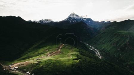 Foto de Vista aérea de verdes montañas escénicas, Georgia - Imagen libre de derechos