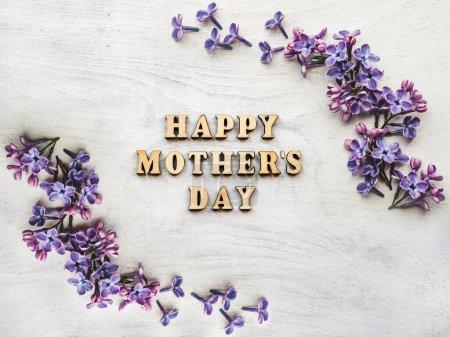 Photo pour La fête des mères. Belle carte de vœux. Gros plan, vue d'en haut. Félicitations pour votre famille, vos proches, vos amis et vos collègues - image libre de droit