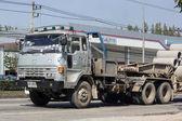 Постер Старый грузовик Isuzu трейлер