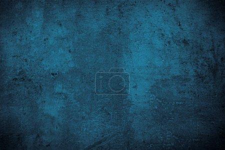 Photo pour Ardoise marine monochrome fond. Texture de surface en béton bleu foncé vide. Gratuit pour le design - image libre de droit