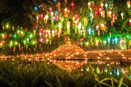 Photo pour Bouddha dans le temple de Wat Phan Tao à chiang mai en Thaïlande - image libre de droit