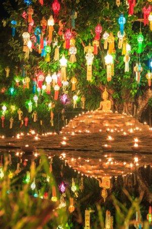 Photo pour Bouddha dans le temple Wat Phan Tao à chiang mai Thaïlande - image libre de droit
