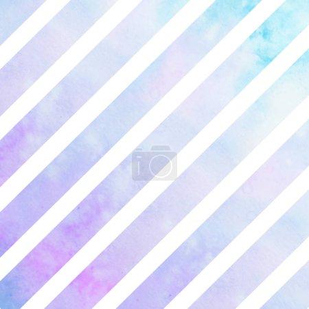 Foto de Rayas violetas acuarela azul. Luz líneas violetas sobre fondo blanco - Imagen libre de derechos