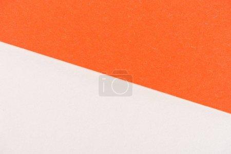 Photo pour Gros plan de couches de papier orange et blanc pour le fond - image libre de droit