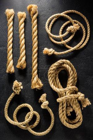 Ship ropes at table
