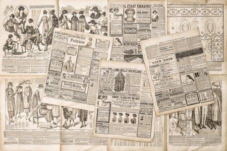 Photo pour Pages de journaux avec publicité antique. Magazine de mode pour femme - image libre de droit