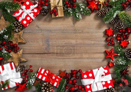 Karácsonyi díszek ajándék dobozok piros dekoráció Ünnepek backgroun