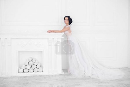 lady in bridal gown