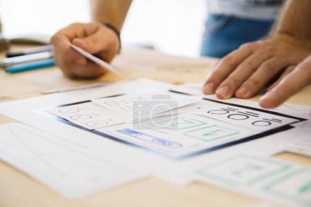 Photo pour Mains conception wireframe, vue macro - image libre de droit