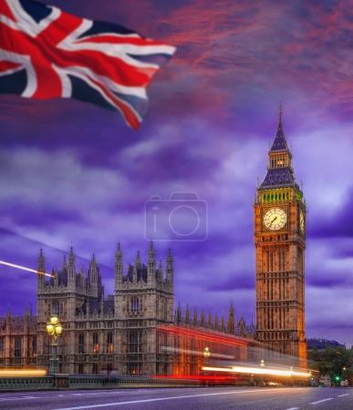 Photo pour Big Ben, au cours de la soirée coloré à Londres, Angleterre, RU - image libre de droit
