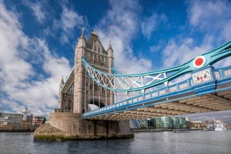 Photo pour Tower bridge à Londres, Angleterre, Royaume-Uni - image libre de droit
