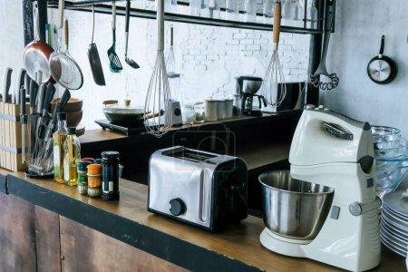 Photo pour Image détaillée du fond des ustensiles de cuisine - image libre de droit