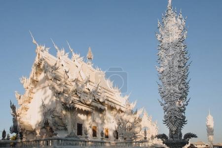 Foto de Arquitectura del templo de Wat Rong Khun blanco, Chiang Rai, Tailandia - Imagen libre de derechos