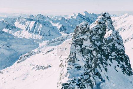Photo pour Beau paysage avec des montagnes enneigées, mayrhofen, Autriche - image libre de droit
