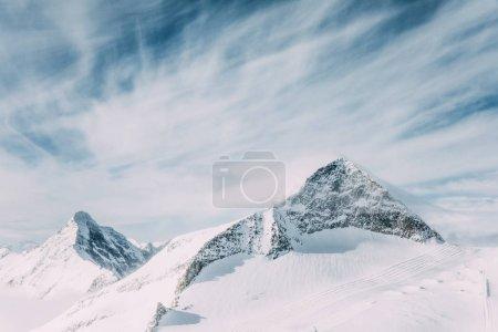 Photo pour Majestueux paysage avec les montagnes couvertes de neige au domaine skiable de mayrhofen, Autriche - image libre de droit
