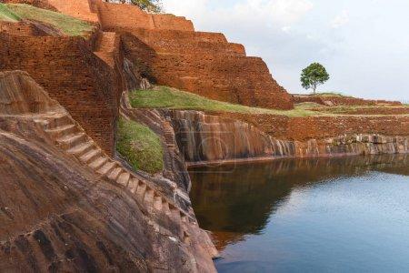 Foto de Hermosa vista panorámica de hito natural con en Asia, sri lanka, sigiriya - Imagen libre de derechos
