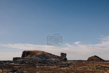 Photo pour Belle vue panoramique sur les roches de neige et de seacoast en Islande, reykjanes, valahnukamol - image libre de droit