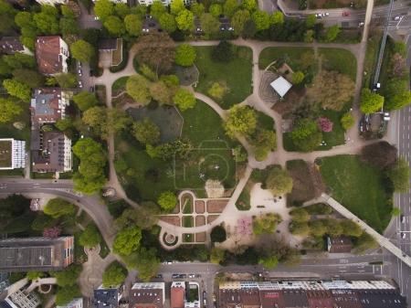 Photo pour Vue aérienne du parc en ville, Allemagne - image libre de droit
