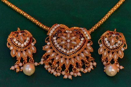 Gold and diamond Necklace, earrings set, Pune