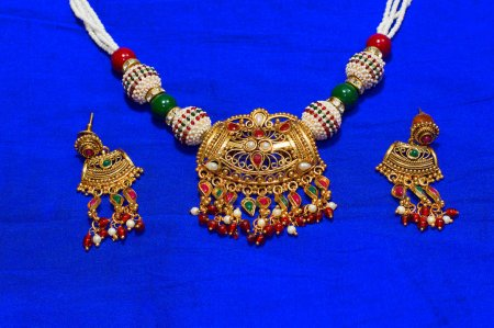 Necklace and earrings set, Pune