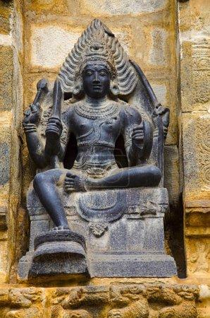 Foto de Ídolo tallado en la pared interior del templo de Airavatesvara Darasuram cerca Kumbakonam. Arquitectura de templo de Tamil hindú Shiva, construido por Rajaraja Chola Ii, siglo XII Ce, patrimonio de la humanidad - Imagen libre de derechos