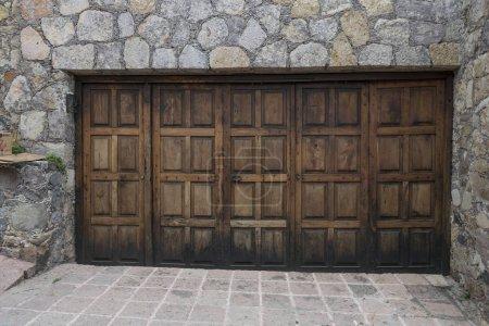 Wooden entrance doors of a building, Zona Centro, San Miguel de Allende, Guanajuato, Mexico