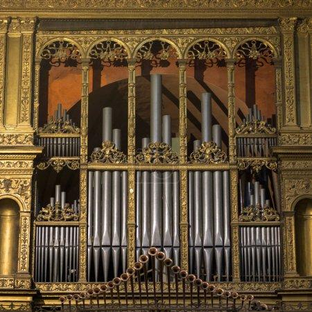 Photo pour Tuyaux d'orgue en Sienne, Sienne, Toscane, Italie - image libre de droit