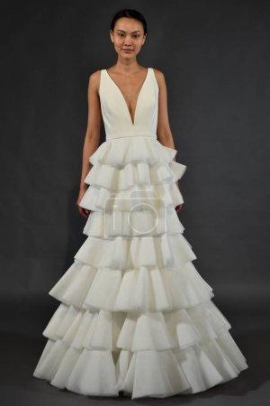 Viktor and Rolf Mariage collection presentation