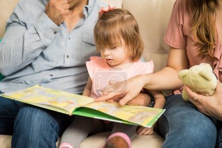 Latin family reading story