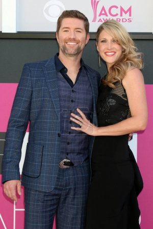 Josh Turner and Jennifer Ford