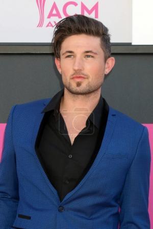 singer Michael Ray