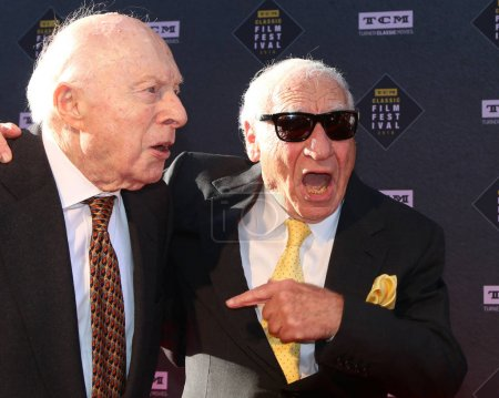 """LOS ANGELES - APR 26:  Norman Lloyd, Mel Brooks at the 2018 TCM Classic Film Festival - Opening Night Gala - 50th Anniversary of """"The Producers"""" at TCL Chinese Theater IMAX on April 26, 2018 in Los Angeles, CA"""