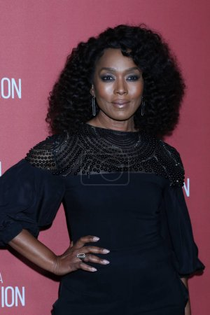 Photo for LOS ANGELES - NOV 7:  Angela Bassett at the 4th Annual Patron of the Artists Awards, at Wallis Annenberg Center for the Performing Arts on November 7, 2019 in Beverly Hills, CA - Royalty Free Image