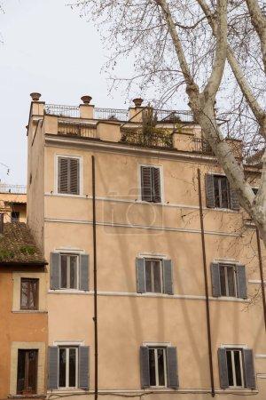 Photo pour Anciens bâtiments de la rue de Rome, Italie - image libre de droit