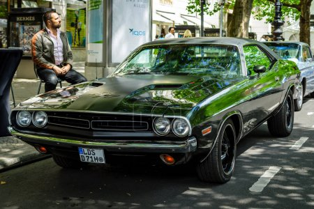 Muscle car Dodge Challenger RT