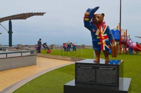 Photo pour Statue de l'ours Paddington à Parque Salazar, Miraflores, Lima, Peru - image libre de droit