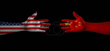 Photo pour Drapeaux écrits sur les mains USA et Chine. Concept revitalisant l'amitié Etats-Unis vs Chine . - image libre de droit