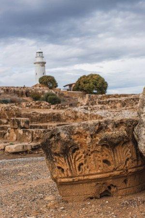 Photo pour Foyer sélectif des ruines antiques dans le parc archéologique près du phare - image libre de droit