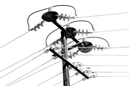Photo pour En Australie, le concept de ligne électrique avec poteau électrique dans le ciel clair - image libre de droit