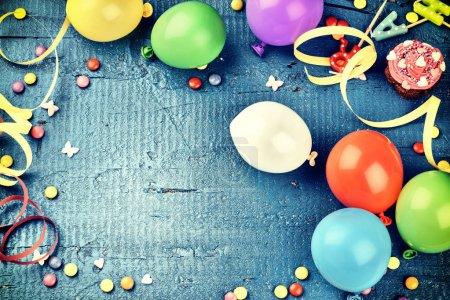 Cadre d'anniversaire coloré